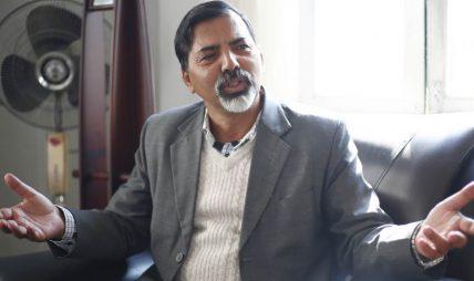 उद्याेगमा विशेष लगानी नगरिकन देश आत्मनिर्भर हुँदैन, व्यापार घाटा हट्दैन : अर्थ मन्त्री शर्मा